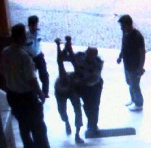 Bergama'da Karakolda Dayak Davasında Polislere Hapis