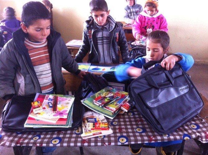 Ücretli Köy Öğretmeninden Örnek Davranış