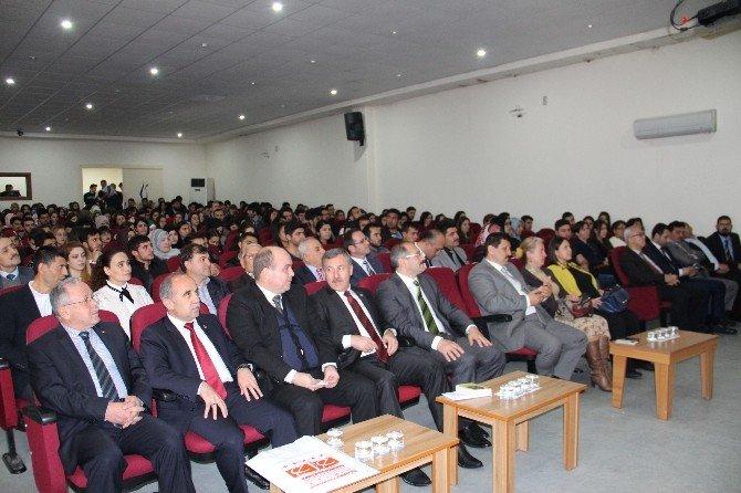 """AK Partili Özdağ: """"Mehmet Akif Ruhu Her Yerde Yaşatılmalı"""""""