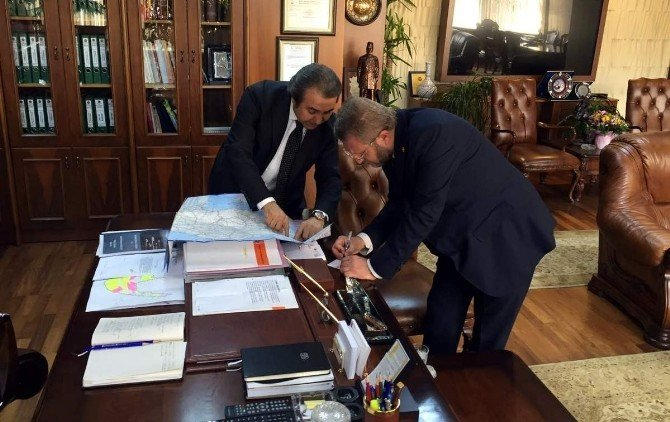 Milletvekili Ahmet Tan, Karayolları Genel Müdür İsmail Kartal'ı Ziyaret Etti