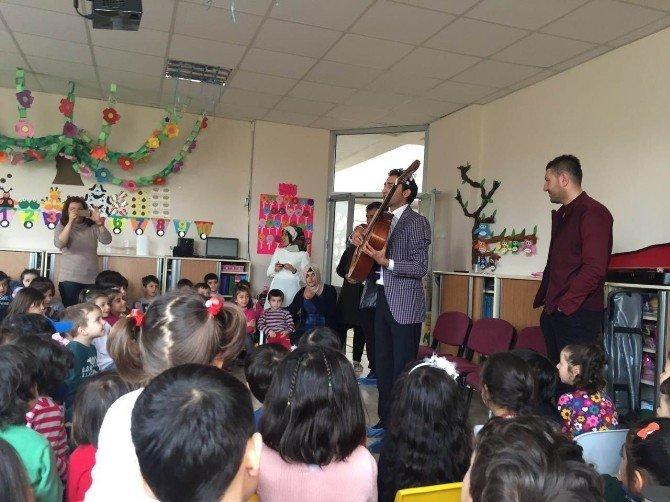Anaokulu Öğrencilerine Müzik Aletleri Tanıtıldı