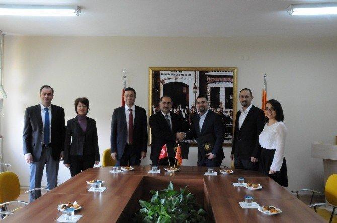 NKÜ Çorlu MYO, Coca-cola İle İşbirliği Protokolü İmzaladı