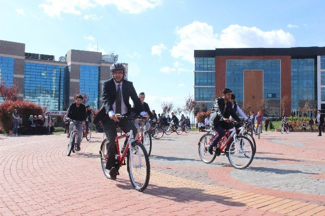 7 Aralık Üniversitesi'ne 200 Bisiklet Teslim Edildi
