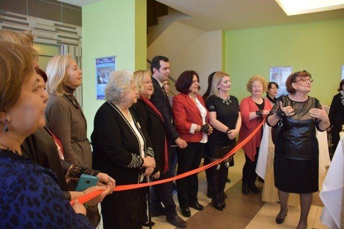 Özlem Özel El Sanatları Sergisi'nin Açılışı Yapıldı