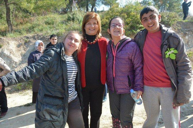 Engelsiz Manisa Ormanı 'Ağaç Kardeşliği' İle Tamamlandı