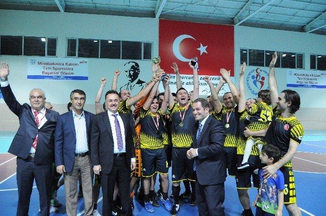 Kurumlar Arası Salon Futbol Turnuvası Sonlandı