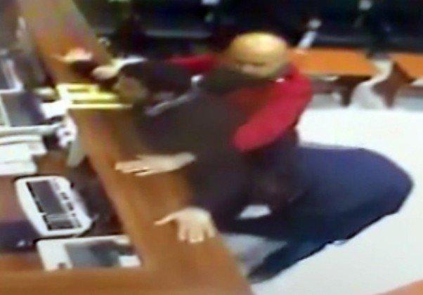 Emekli Öğretmenin Katili Çaldıklarını Satmak İsterken Kıskıvrak Yakalandı