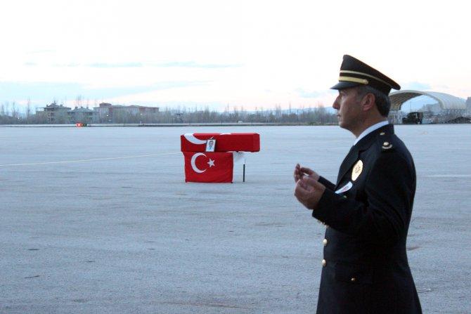 Yüksekova'da şehit olan polis memuru için Van'da tören düzenlendi