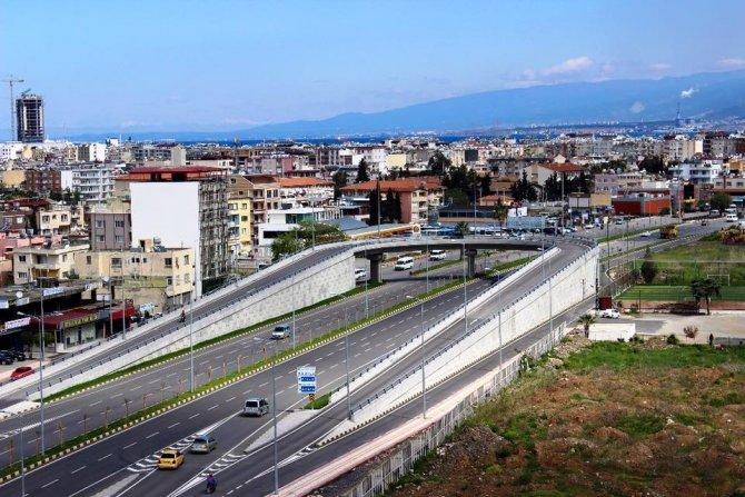 İskenderun-Arsuz köprülü kavşağı trafiği rahatlattı