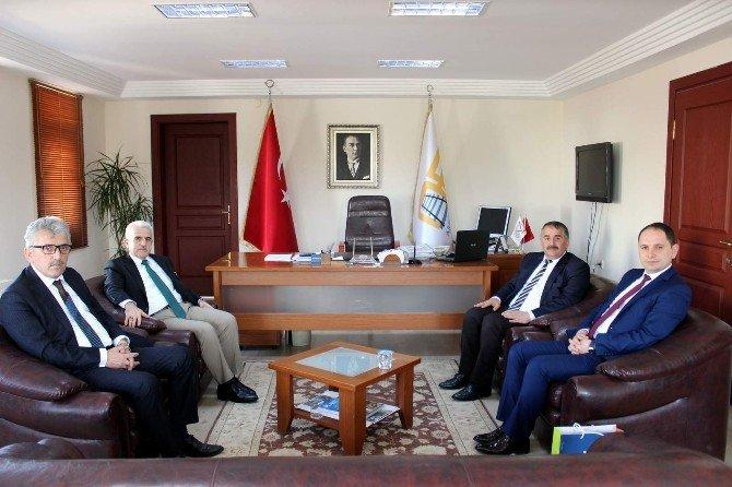 Müdür Kuntoğlu'ndan Başkan Karakullukçu'ya Ziyaret