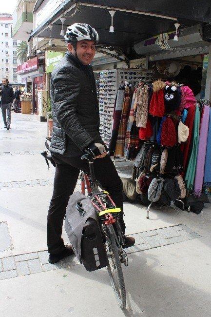 İzmir'de 5 Bin Kişi İşe Bisikletle Gidiyor