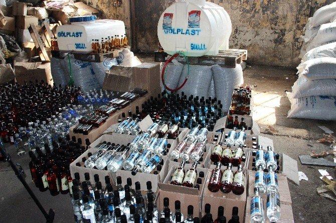 İstanbul'da 7 Bin Şişe Sahte Alkol Ele Geçirildi