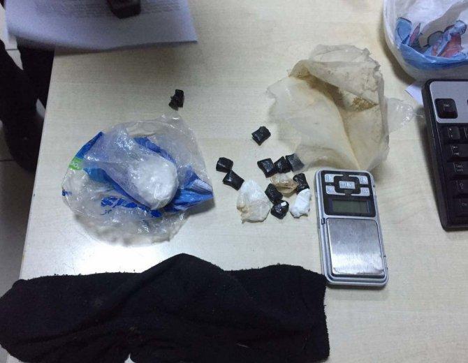 İzmir'de zehir tacirlerine operasyon: 6 tutuklama