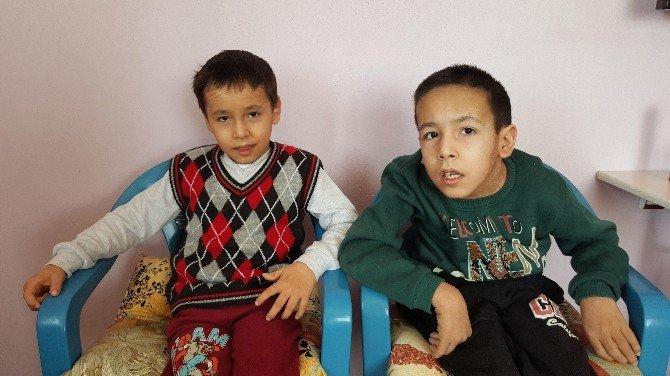 Yılan Derili Çocuklara Teşhis Konulamıyor