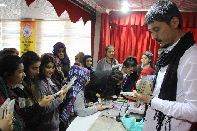 Yazar Serkan Şengül Öğrencilerle Bir Araya Geldi