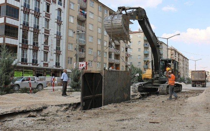 Konya'nın Üç İlçesine Kanalizasyon Şebekesi Döşeniyor