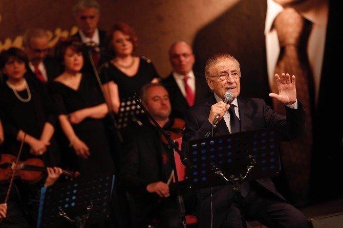 Yaşar Özel'den Nostalji Gecesi