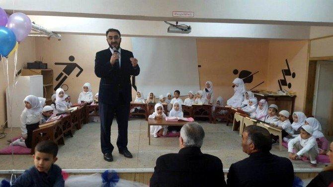 Kur'an Okumayı Öğrenen Çocuklara Madalyonları Verildi