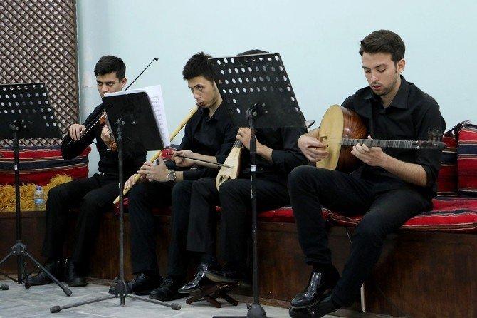 Tanburi Cemil Bey Manisa'da Anıldı