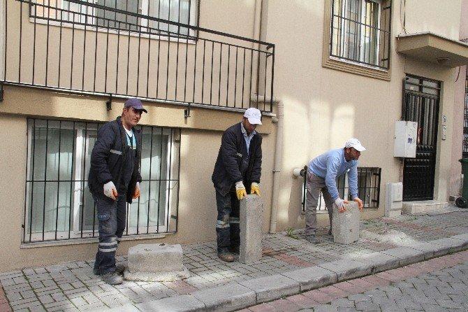 Merkezefendi Belediyesi Kaldırımları Temizliyor