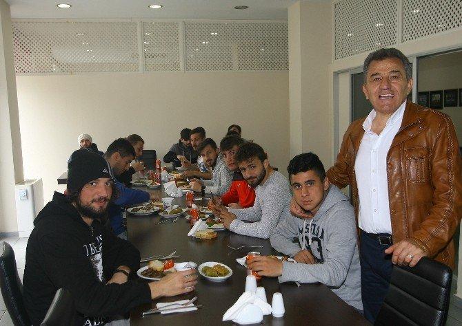 1461 Trabzon'da Barbekü Partisi