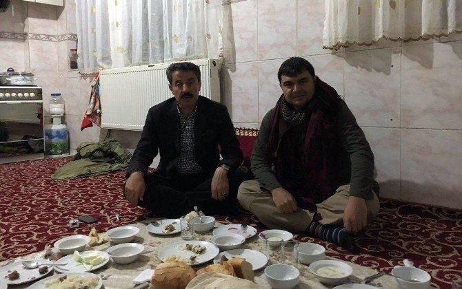 Askere Yemek Veren Aşiret Liderine Teşekkür Ziyareti