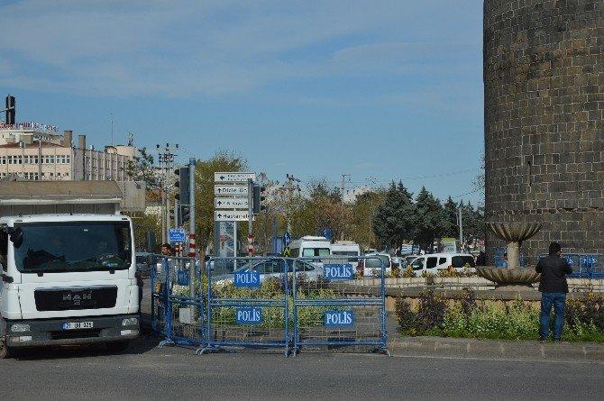 Sur'daki Mevzi Ve Beton Bloklar Kaldırılıyor