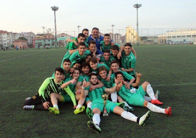 Yalova'da U19 Şampiyonu, Altınova Belediyespor