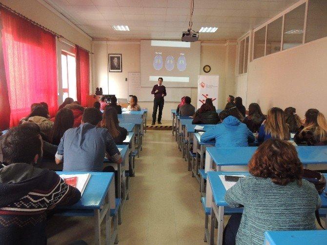 Öğrencilere 'Teknoloji Bağımlılığı' Eğitimi