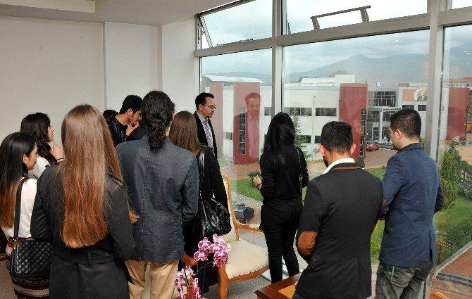 ADÜ İşletme Topluluğu, Rektör Cavit Bircan'ı Ziyaret Etti