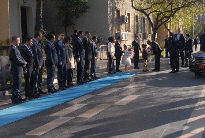 Başbakan Davutoğlu'ndan Diyarbakır Valiliği'ne Ziyaret
