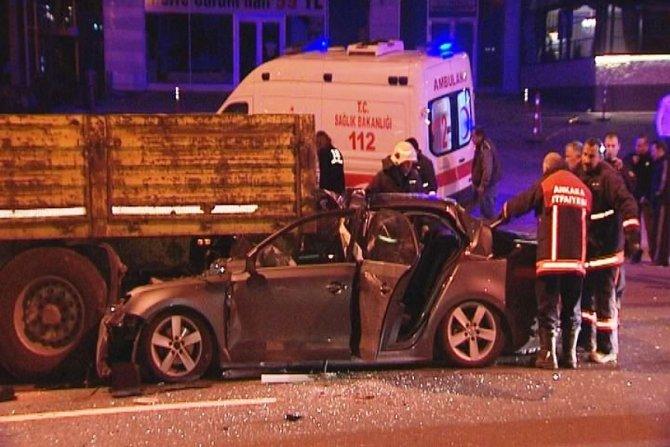 Ankara'da otomobil TIR'ın altına girdi: 1 ölü