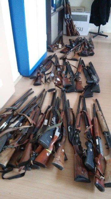 Kaçak Avcıların Tüfekleri Satışa Çıkıyor