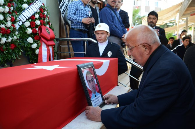 Şehit polis Hatay'da son yolculuğuna uğurlandı
