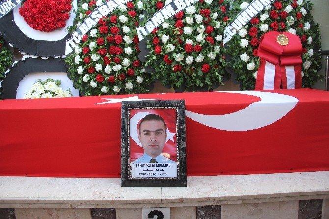Şehit Polis Serkan Talan Hatay'da Toprağa Verildi
