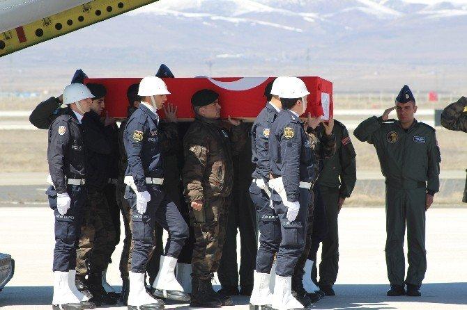 Şehit Polis Memurunun Cenazesi Memleketi Erzurum'da