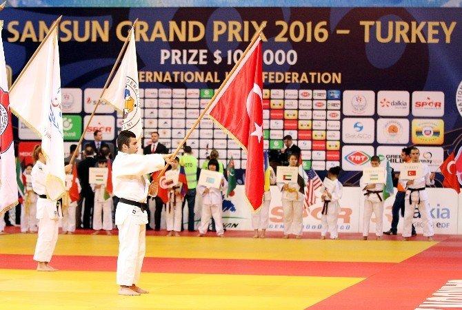 Bakan Kılıç'tan Sporculara Kutlama