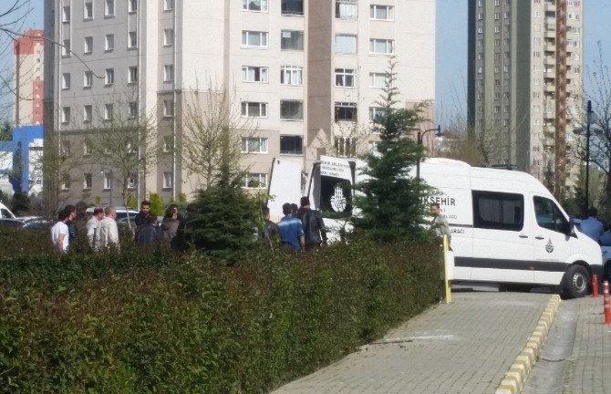 Halkalı'da İki Polis Ölü Bulundu