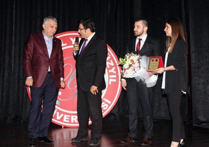 Metin Külünk'ten Üniversitelilere Yeni Anayasa Ve Başkanlık Sistemi Değerlendirmesi