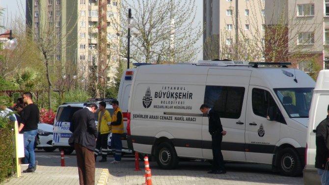 Halkalı'da 2 polis evlerinde ölü bulundu