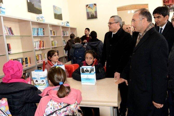 Kütüphane Haftasında Yeni Halk Kütüphanesi Hizmete Başladı