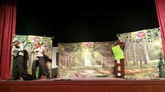 Mut'ta Minik Öğrencilerin Tiyatro Keyfi