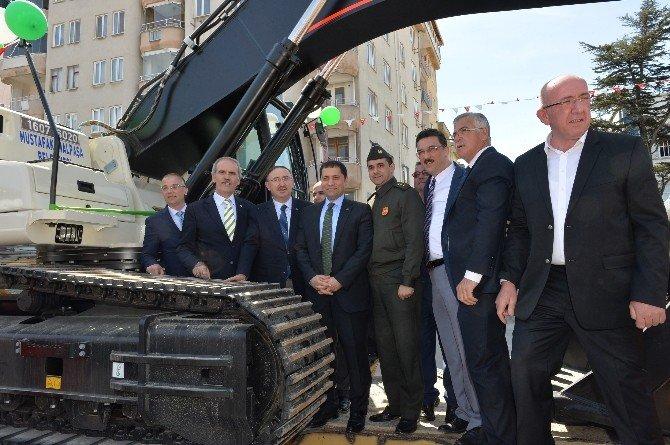 Mustafakemalpaşa Belediyesi Araç Filosunu Güçlendiriyor