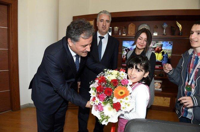 Otizmli Çocuklardan, Başkan Çakır'a Ziyaret