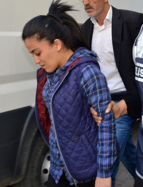 PKK'ya Katılmak İsteyen Genç Kız İle Bombacı Yakalandı