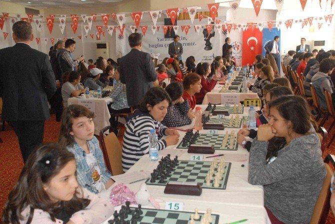 Türkiye Satranç Bölge Şampiyonası Fethiye'de Yapılıyor