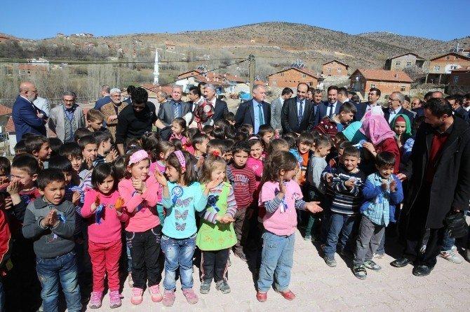Selçuklu Belediyesi'nden Üç Okula Daha Kütüphane