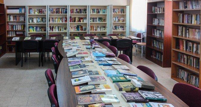 """""""Mirasınız Kitap Olsun"""" Kampayasında 100 Bin Kitap Yerine Ulaştı"""