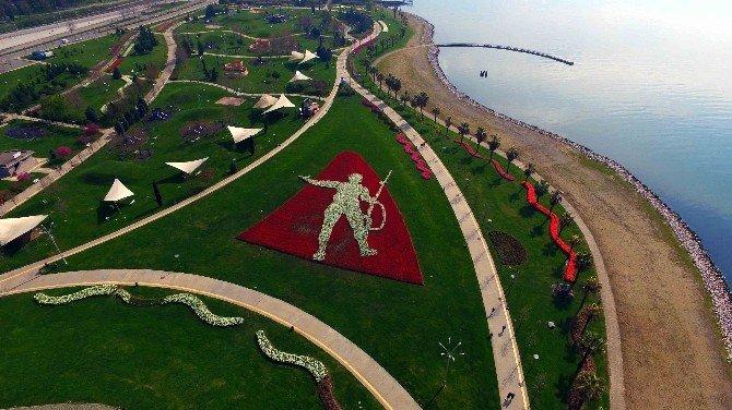 150 Bin Lale'den Mehmetçik Figürü Yaptılar