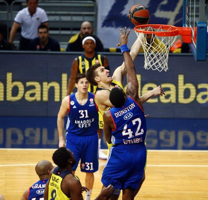 Fenerbahçe'ye 90-86 yenilen Anadolu Efes Avrupa'ya veda etti